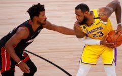 Лос-Анджелес Лейкерс обыграли Майами Хит в четвертом матче серии