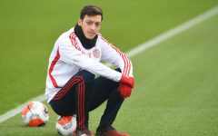 Озил не будет включен в заявку Арсенала на Лигу Европы